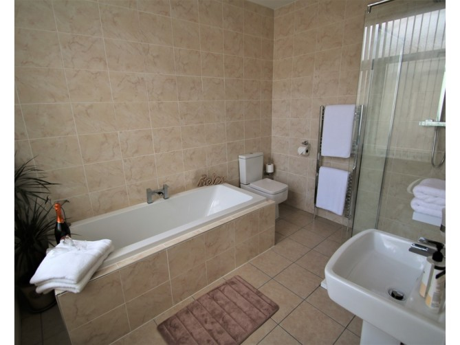Bathroom - The Inglewood Hotel, Holmfield Road, North Shore, Blackpool Hotel for Adults Only