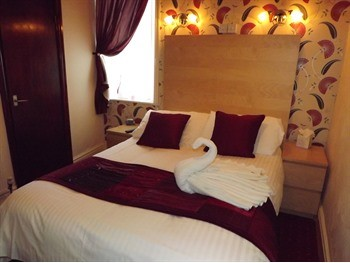 Double Room - The Strathdon, St Chads Road, South Shore, Blackpool Hotel for Families and Couples